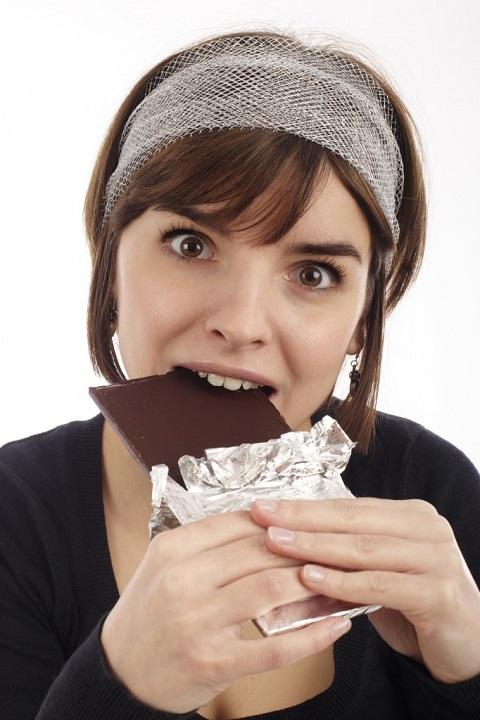 perchè si mangia di più prima del ciclo?