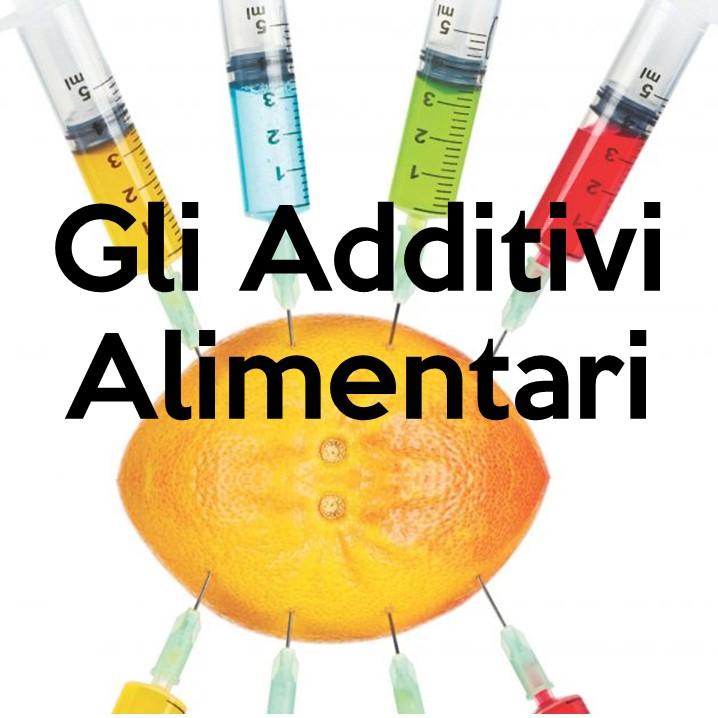 Gli additivi alimentari sono sostanze di varia natura aggiunte artificialmente agli alimenti per conferirgli particolari proprietà: colorare, dolcificare, conservare.