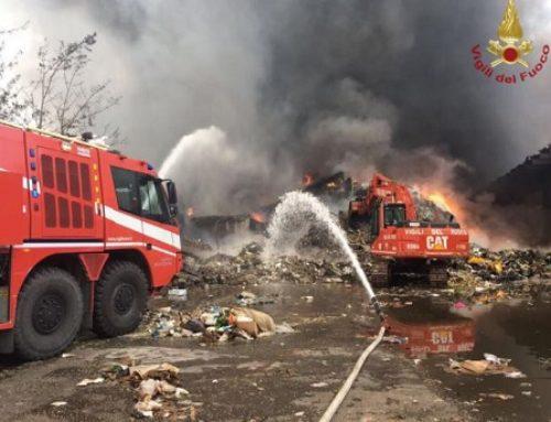 Incendio alla Eco-X di Pomezia